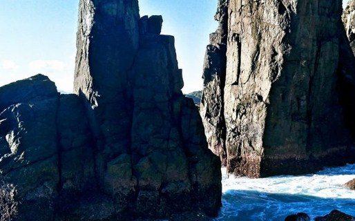 Kolam Alami di Pantai Batu Rudal Memang Indah