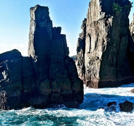 Indahnya Pantai Batu Rudal